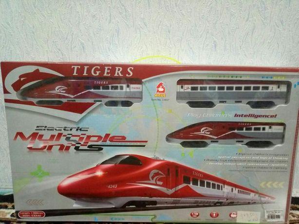 Железная дорога электричка/ поезд на батарейках