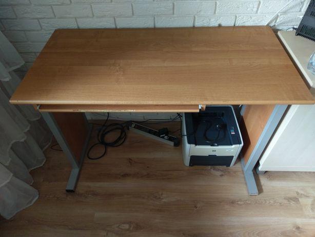 Biurko do komputera drewniane na metalowych nogach