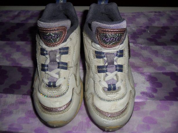 Кроссовки светящиеся на девочку 26 р-р