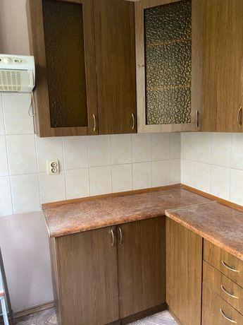 Угловая кухня 2 м на 1.3 м с мойкой и смесителем
