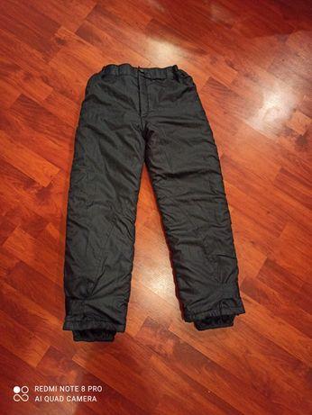Зимние балоневые штаны на синтепоне на резинке.