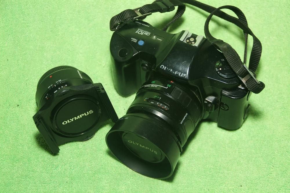 OLYMPUS OM-101 + 50mm + 35-70mm + METZ 45 CT-1