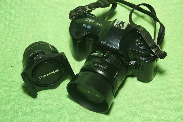 OLYMPUS OM-101 + 50mm + 35-70mm + METZ 45 CT-1