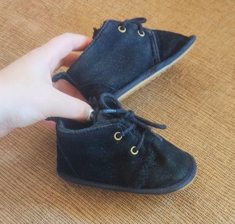Угги ботинки тапочки кроссовки хайтопы пинетки 12 см.