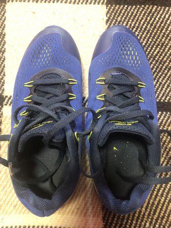 Продам кроссовки 35 (21-21,5см) размер new balance и pro touch