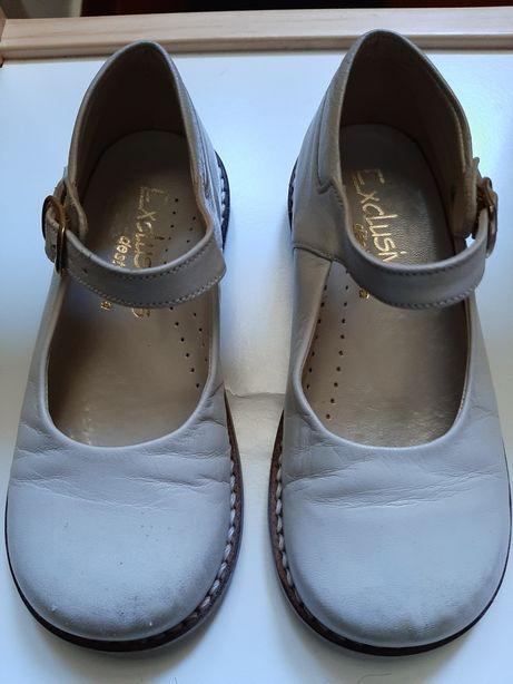 Sapatos de menina n.25