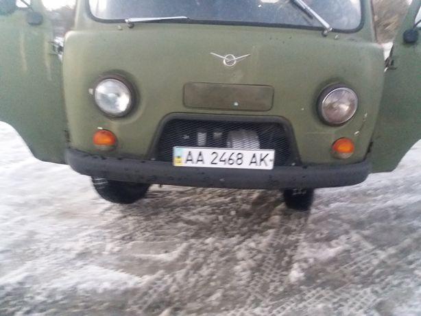 Автомобіль УАЗ бортовий