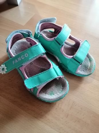 Sandałki, buty na lato, sandały