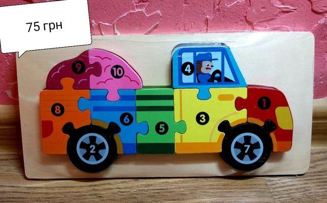 Деревянные игрушки и мозаика
