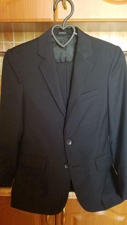 Школьный костюм для мальчика 9-10 лет 2000руб