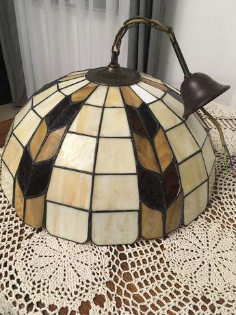 Lampa witrażowa z kloszem w stylu Tiffany