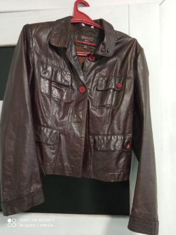 Продам жіночу шкіряну курточку