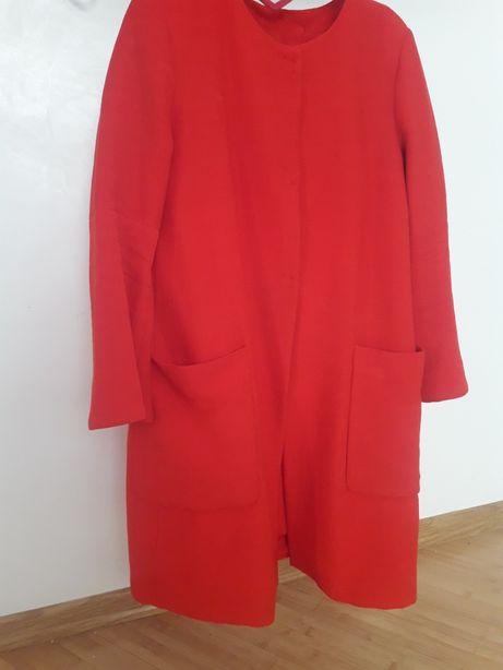 Пальто Zara розмір М червоного кольору