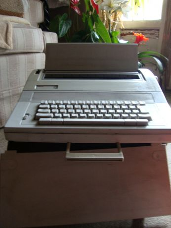 Maquina de escrever eléctrica Philips