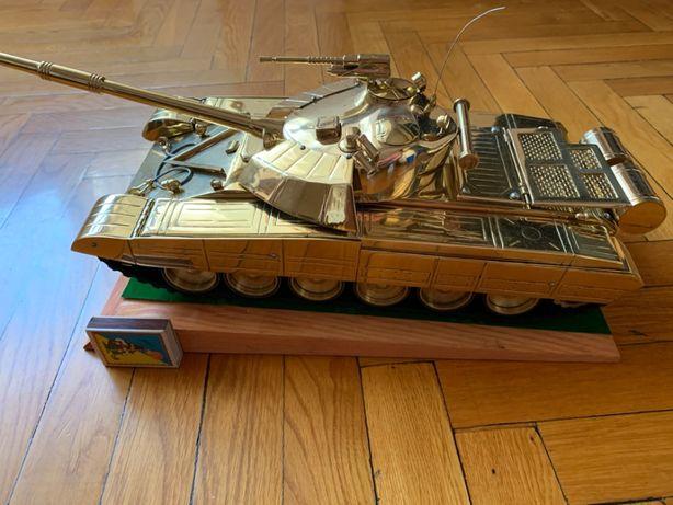 Коллекционный танк Т-72