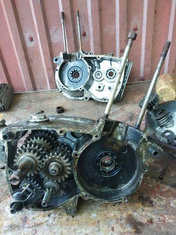 Половина мотора для Муравья