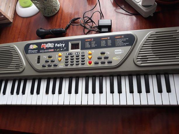 Пианино, детская игрушка