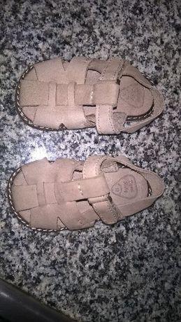 Sandálias novas em pele Zara