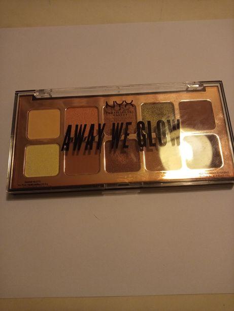 Nyx Professional Makeup Away We Glow,Hooked On Glow