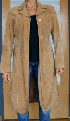 Długi zamszowy płaszcz