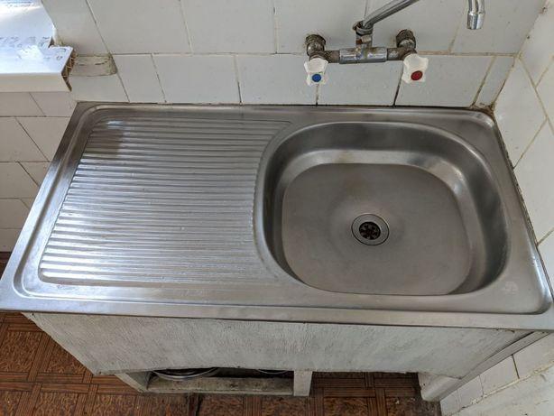 Нержавіюча мийка