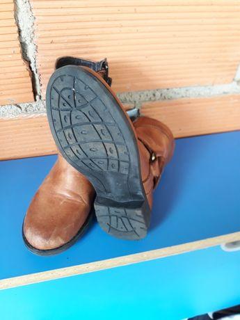 Botas de menina