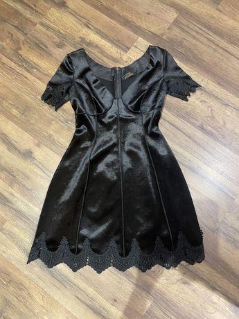 Черное бархотное Красивое платье размер s