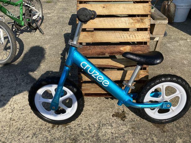 Rowerek biegowy biegówka dla dzieci Cruzee lekka