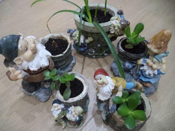 Вазоны, подставка для цветов, цветочница семеро гномов ЦЕТЫ В ПОДАРОК