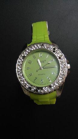 Relógio Tipo ONE Verde