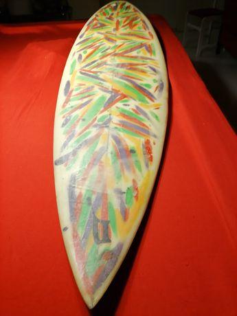 Prancha de Surf antiga. Bonita para decorar.