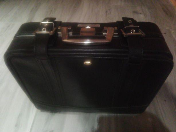 Neseser walizka podróżna kabinowa SAS.