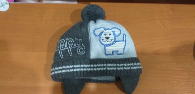 Теплая шапка для малыша
