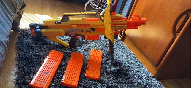 Arma Nerf com extras