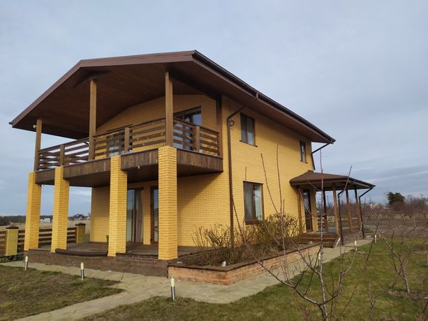 Прекрасный дом на берегу реки в Песчанке