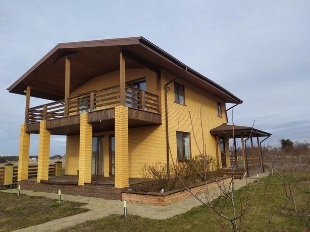 Продам двухэтажный дом на берегу реки в Песчанке