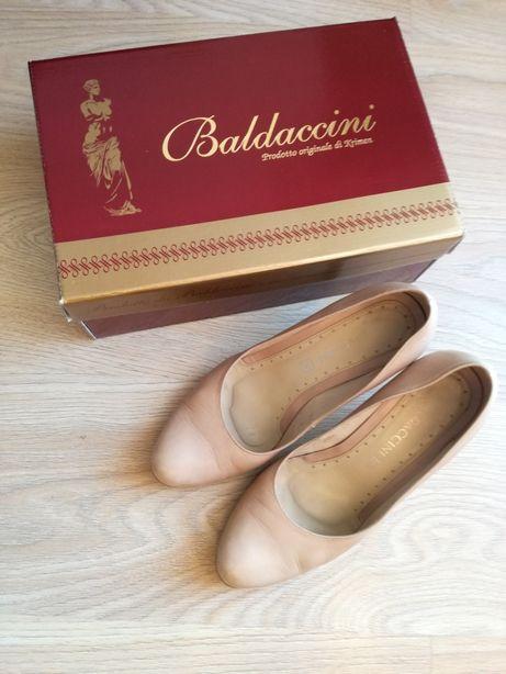 Buty Baldaccini 39 wizytowe czółenka beżowy jasny brąz nude skórzane