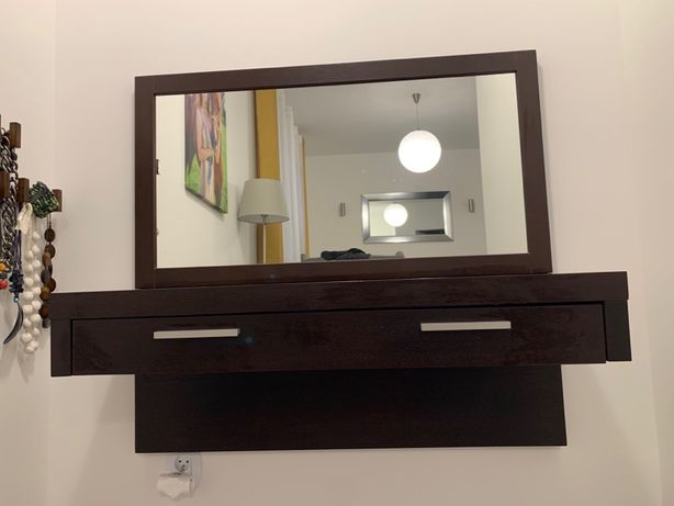 Toaletka z lustrem - komplet do sypialni.