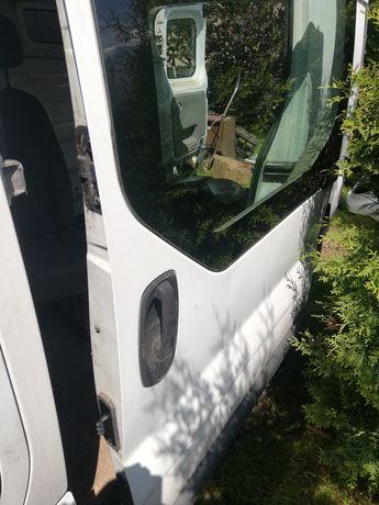 Renault Trafic drzwi boczne lewe