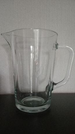 Dzbanek szklany, grube szkło Prl