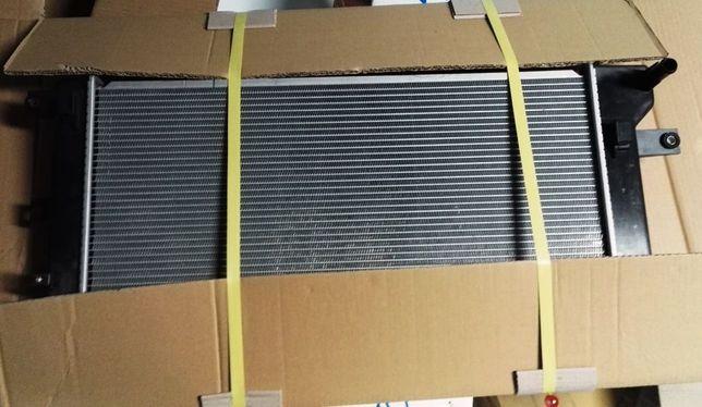 Радиатор охлаждения, кондиционера, конденсер, бачок Nissan leaf Лиф