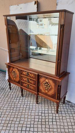 Cristaleira vitrine clássica impecável