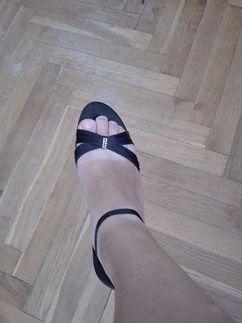 Sandałki 39 satynowe, obcas 5,5 cm