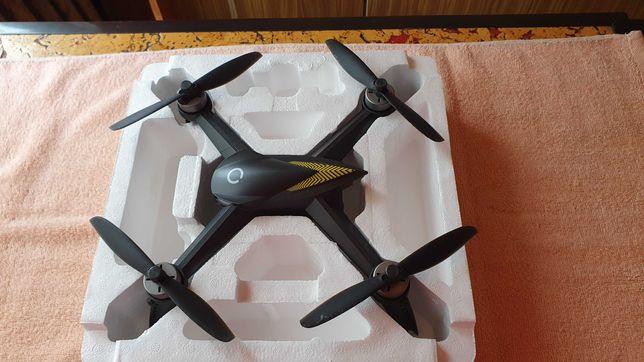 Dron X-bee 9,5 latał tylko 8 razy bogaty zestaw.