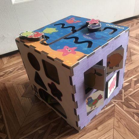Бизи куб