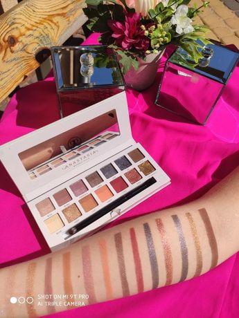 Paleta Paletka Anastasia Beverly Hills 'Carli Bybel'