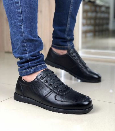 Распродажа Мужские Кроссовки под armani (41-42 размер) black
