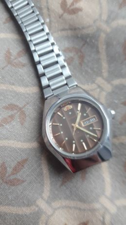 Часы orient  наручные водонепроницаемые