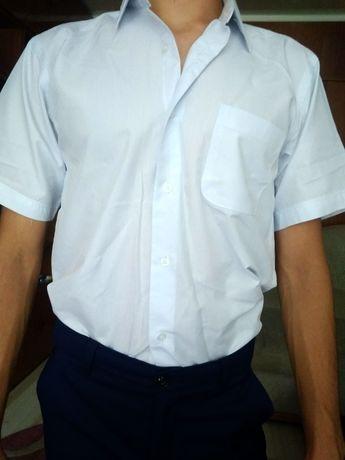 Рубашка біла з коротким рукавом