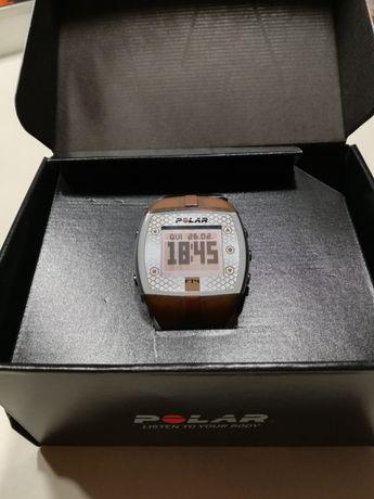 Relógio Polar FT4 com sensor cardio